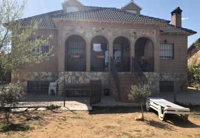 Chalet in  Torrejón del Rey