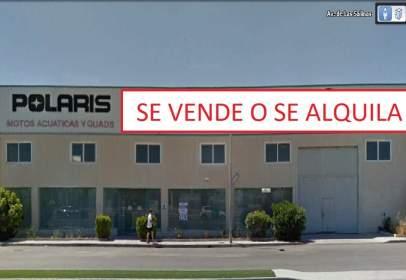 Nave comercial en Avenida de las Salinas, nº 34