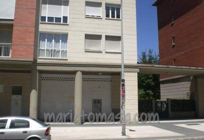 Commercial space in calle de Antonio Machado