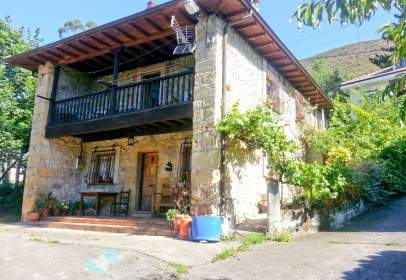 House in Cangas de Onís