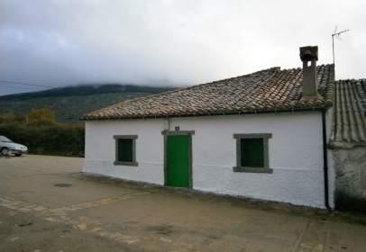House in Robregordo