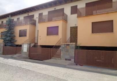 Casa adossada a Avenida Ctra/ de Teruel II