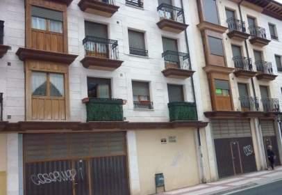 Apartamento en Plaza Sta. Casilda, nº 3