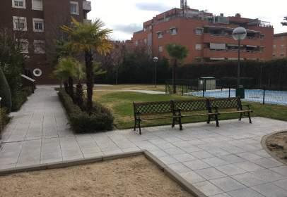Piso en calle del Marqués de la Valdavia, cerca de Avenida de Camilo José Cela
