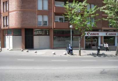 Local comercial en Avenida Francesc Ribas, nº 72