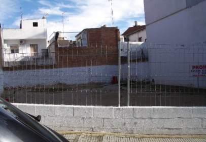 Terreny a Avinguda de la Diputació Provincial, prop de Carrer de València