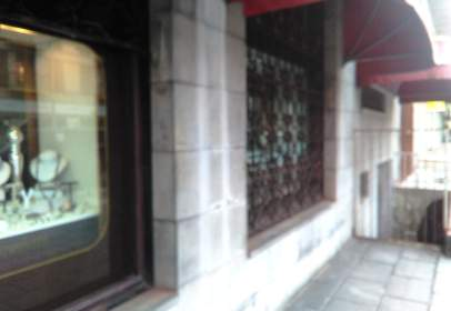 Commercial space in Avenida Familia Betancourt y Molina