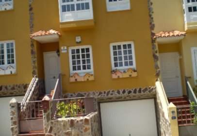 Casa pareada en Urbanización Carmenaty, nº 182