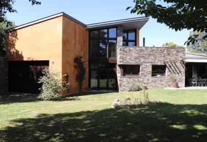 Casa en calle Bulto