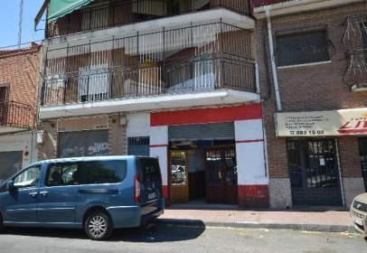 Local comercial en Paseo de las Moreras, nº 6