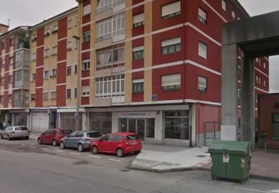 Local comercial en Avenida de los Telares