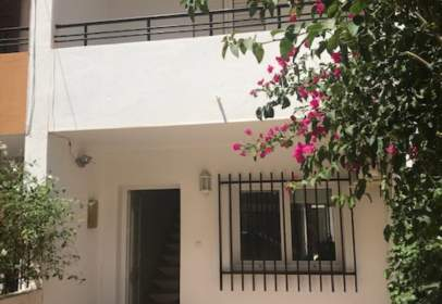 House in Avenida de Tierno Galvan, nº 7