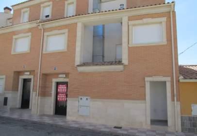 Casa adosada en calle Les Llometes