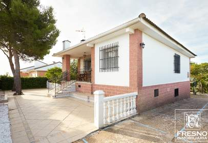 House in calle Sacedon