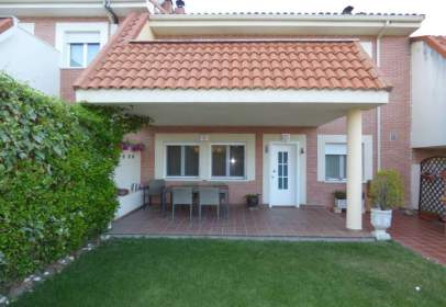 Chalet in calle Carramonte