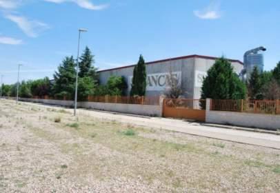 Nau industrial a calle Pisuerga