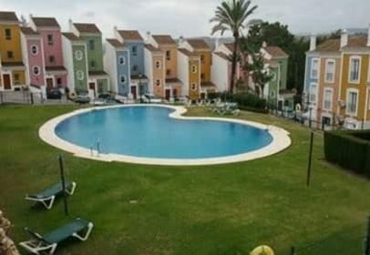 Terraced chalet in Urbanización Jardines de Casares