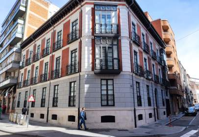 Dúplex en calle de Leopoldo Cano, nº 7