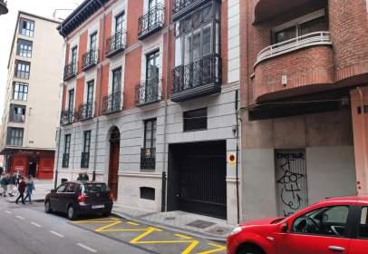Garatge a calle de Leopoldo Cano, nº 7