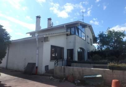 Casa adosada en calle San Bartolome