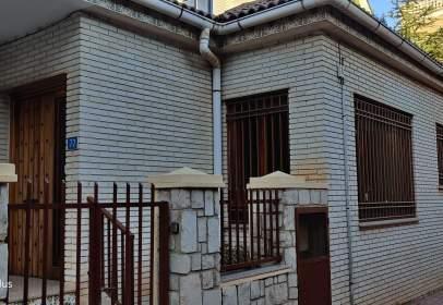Casa unifamiliar en calle de San Carlos, cerca de Carrer de la Senyera