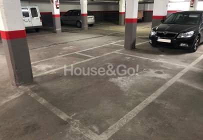 Garage in calle Obat Oliba, nº 14