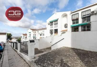 Flat in calle Carmenes de Gadeo