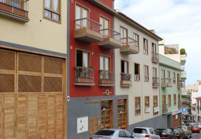 Pis a calle Nieves Ravelo, nº 21
