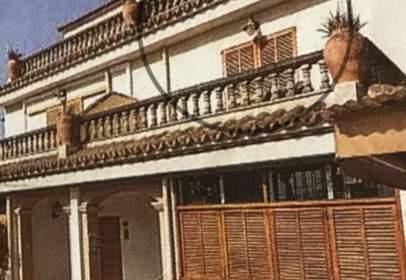 Casa adossada a Carrer de Ramon Llull, nº 20
