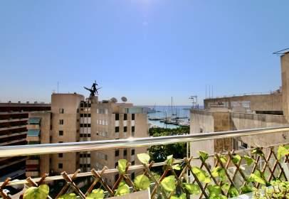 Penthouse in Avinguda de Joan Miró, near Carrer Baionetes