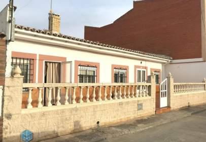 Chalet en calle de La Rioja