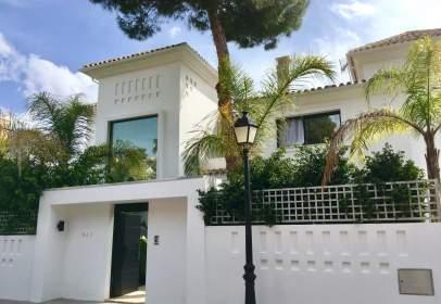 Casa unifamiliar en Nueva Andalucía-Centro