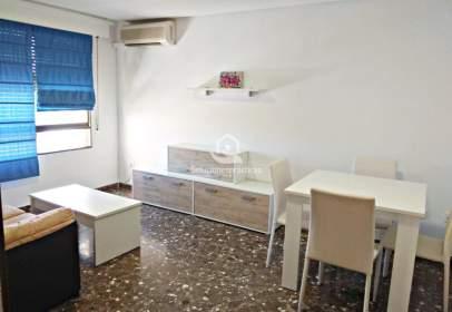 Apartamento en Avenida de Andalucía, cerca de Plaza de Federico García Lorca