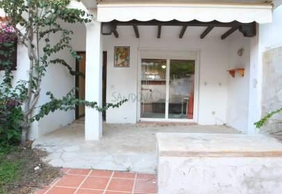 Casa adosada en calle Huelva