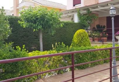 Casa pareada en Valdepeñas