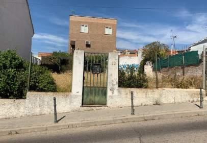 Terreno en calle Pegaso