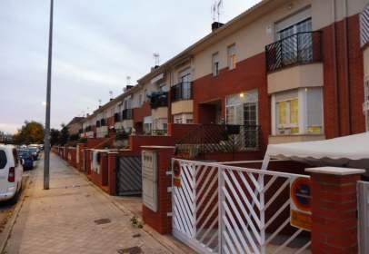 Casa adossada a El Caracol-Altos del Olivar