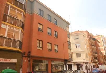 Flat in calle Juan Bravo, nº 1