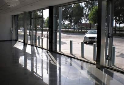 Commercial building in Quart de Poblet