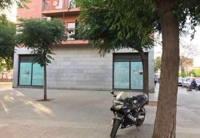 Local comercial en Passeig del Doctor Moragas, cerca de Carrer del Pintor Fortuny