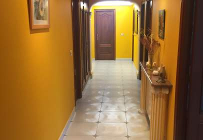 Flat in calle Xulia Minguillon , nº 1