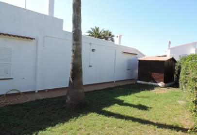 Chalet in calle Adelfas