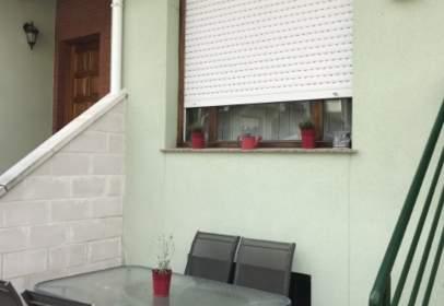 Casa adosada en calle Golbardo