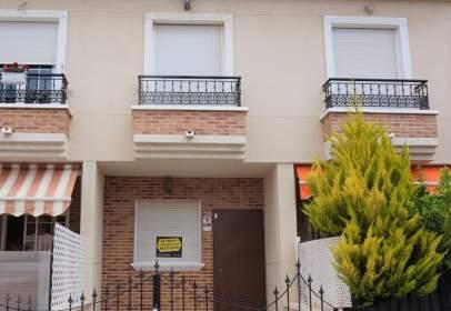 Casa adosada en calle de Santander, 22
