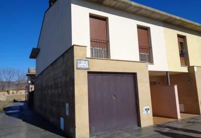 Casa pareada en calle San Mateo