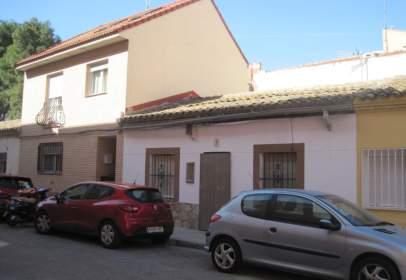 Casa en calle La Rosa