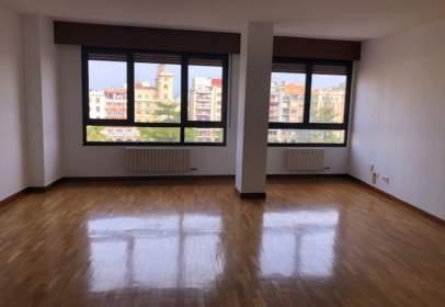 Apartamento en calle Miguel Villanueva