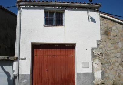 Commercial building in calle de Manuel García, 15