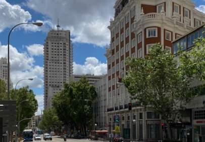 Flat in calle de la Princesa, near Calle de los Mártires de Alcalá