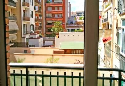 Pis a Carrer de València, prop de Carrer de Sicília